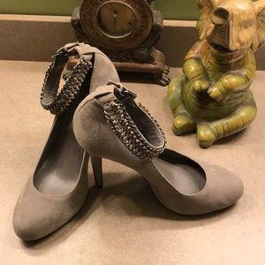 Inc size 9 heel